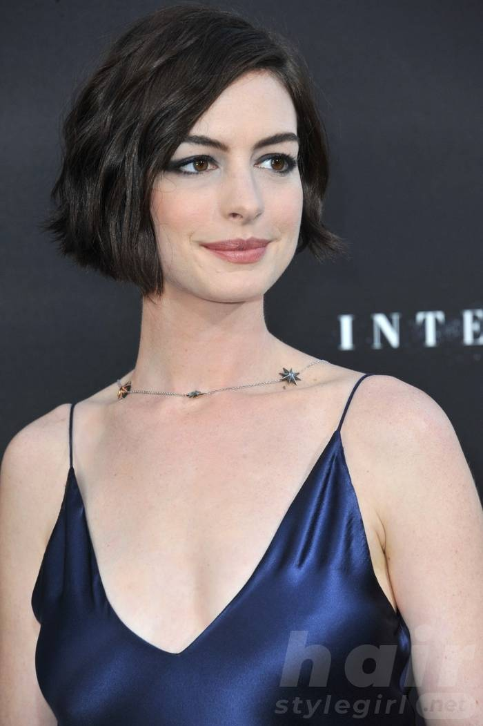 Anne Hathaway Haircut (21)