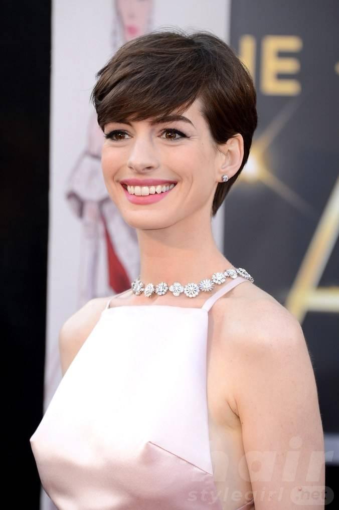 Anne Hathaway Haircut (24)