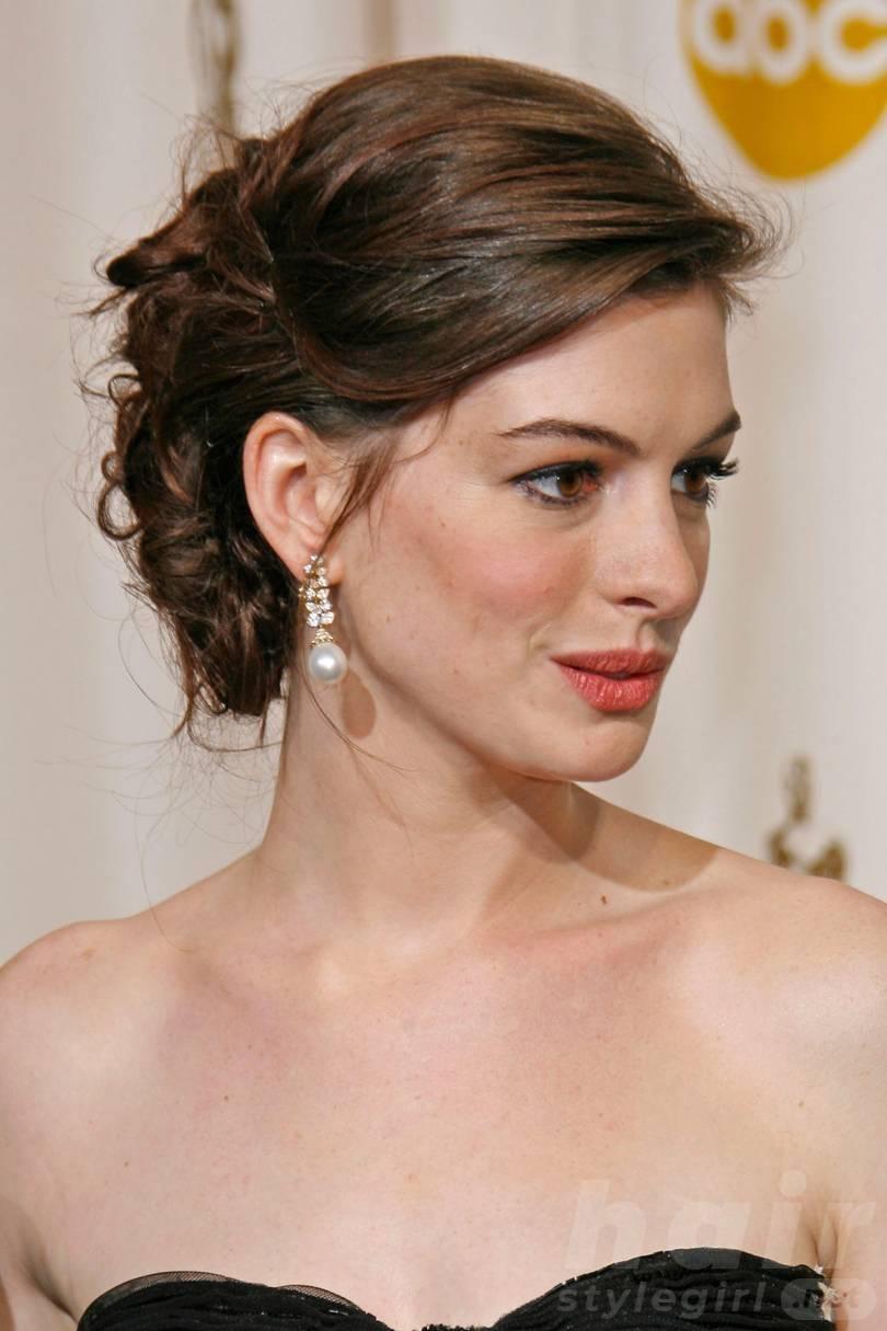 Anne Hathaway Haircut (33)