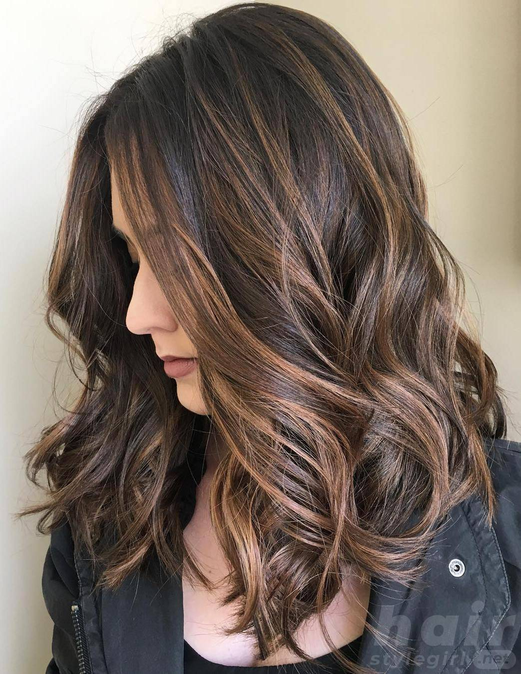Chocolate Highlight Balayage Hairstyle