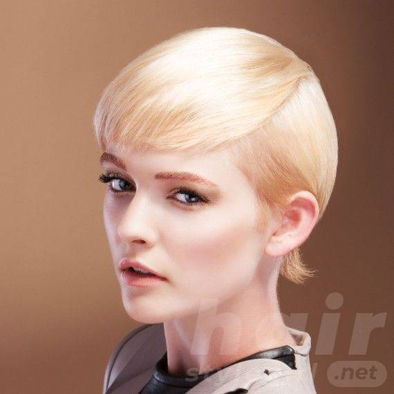 Short Hairstyle for Diamond-shaped Women