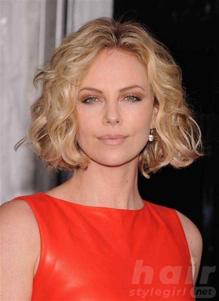 Blond Short Wavy Bob Hairstyle