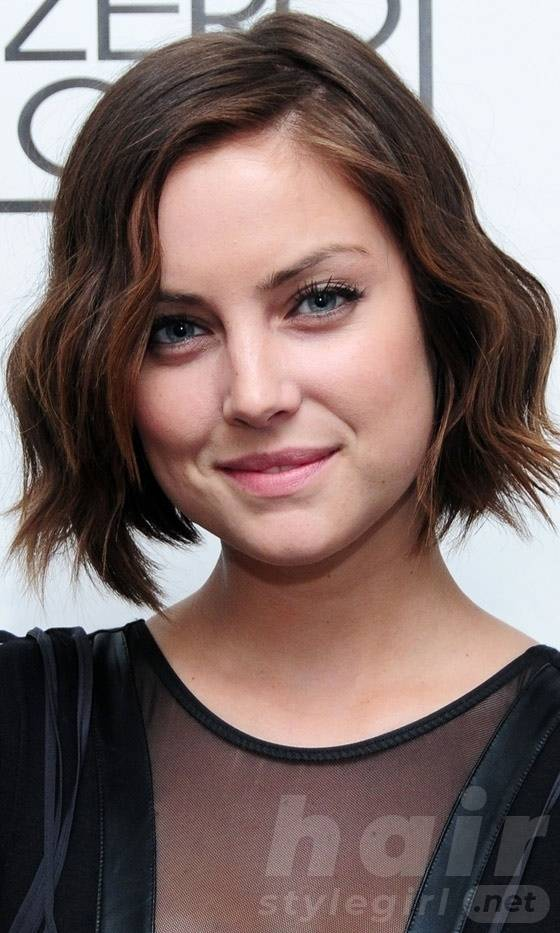 Brown Short Wavy Bob Hairstyle