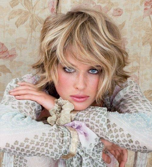 Blond Short Wavy Choppy Hairstyle
