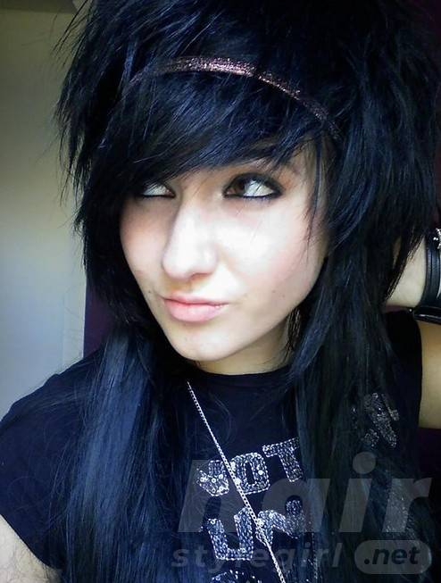 2014 Long Black Emo Hairstyles with Bangs for Girls