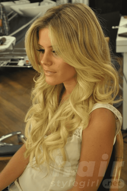 long-blonde-hairstyles-with-highlights