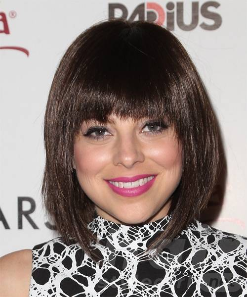 krysta-rodriguez-medium-straight-bob-hairstyle