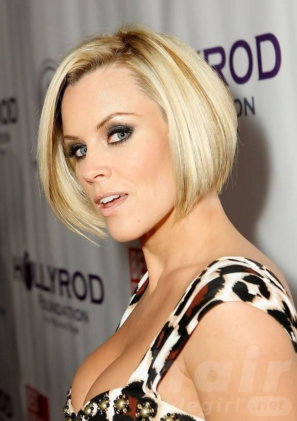Celebrity Stacked Bob Hairstyle - Jenny McCarthy's Short Hairstyle