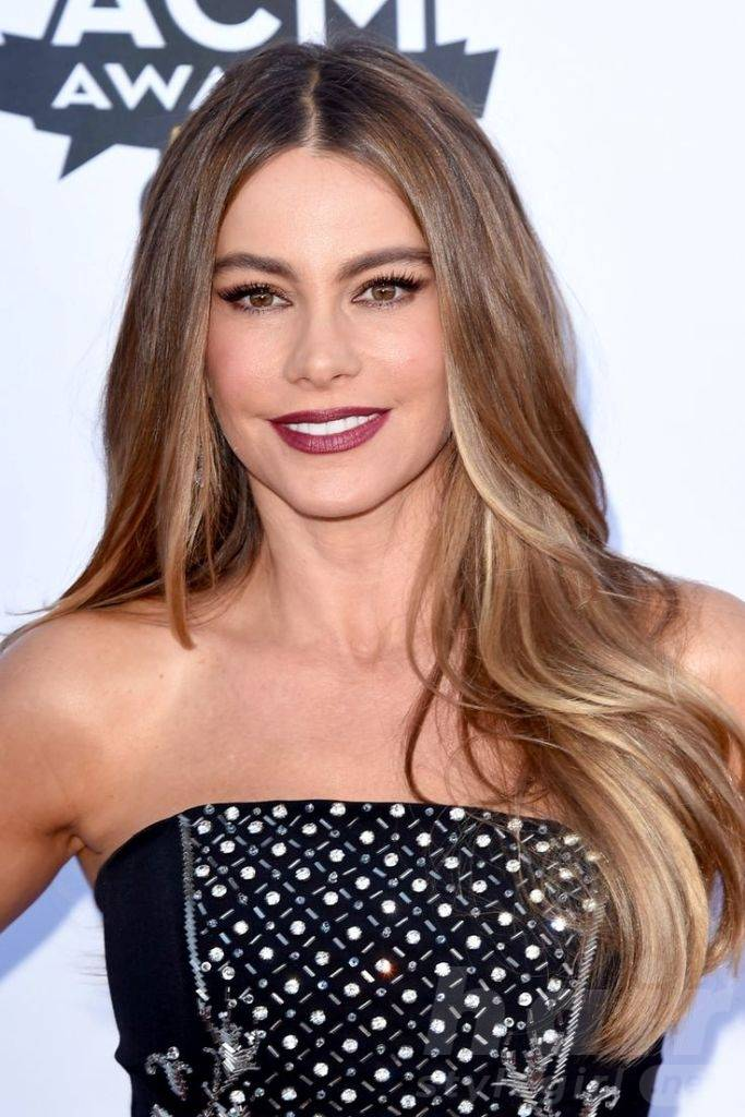 Sofia Vergara Coffee and Cream Highlights for Over 40