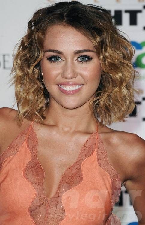 Miley Cyrus Curly Wavy Bob Hairstyle
