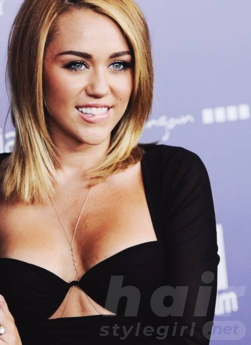 Miley Cyrus Mid-length Straight Hairstyle