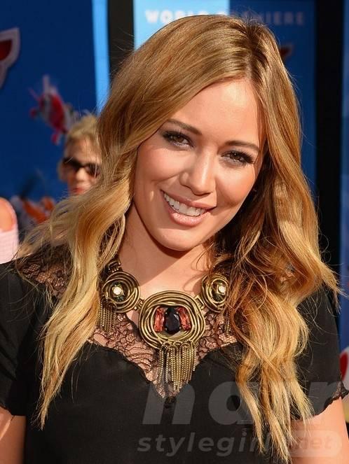 2014 Hilary Duff Hairstyles: Sleek Blonde Waves