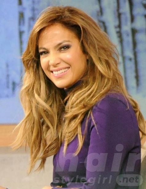 2014 Jennifer Lopez Hairstyles: Layered Wavy Hair Style for Long Hair