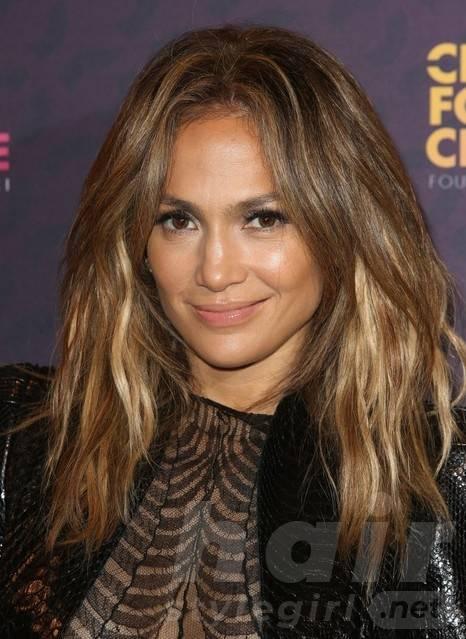2014 Jennifer Lopez Long Hairstyles: Layered Haircut