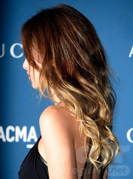 2014 Olivia Wilde Hairstyles: Ombre Hairstyle for Long Layered Wavy Hair