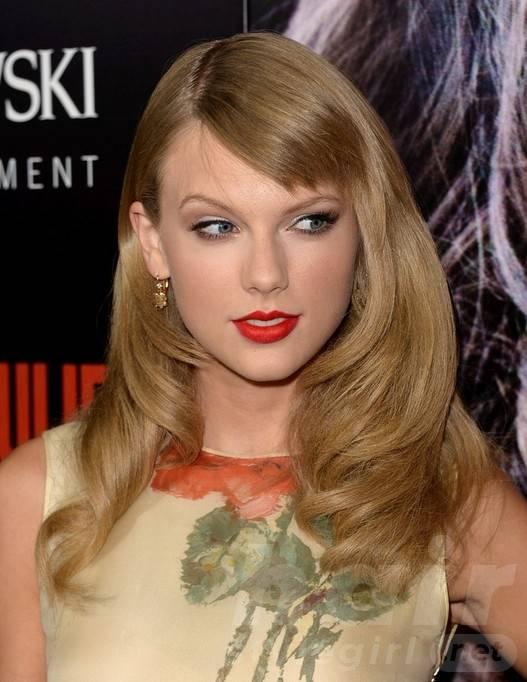 2014 Taylor Swift Long Hairstyles: Long Hair for Short Bangs