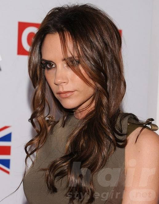 2014 Victoria Beckham Hairstyles: Brown Long Wavy Hair