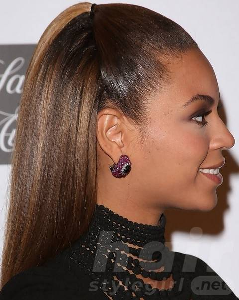 Beyonce Hairstyles: High-fashioned Half-up Half-down Hairdo for Young Girls