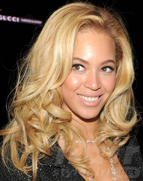 Beyonce Hairstyles: Modern Blond Long Curls