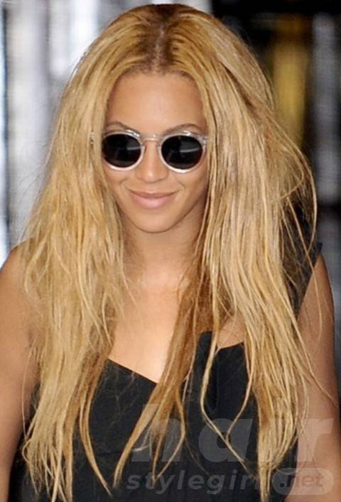 Beyonce Long Straight Hairstyles: Messily Tousled Center-parted Hairstyle