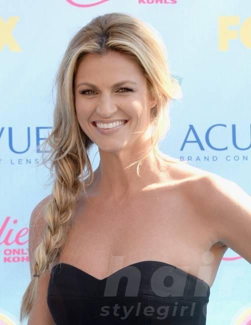 Erin Andrews Long Hairstyles: Losse Braids