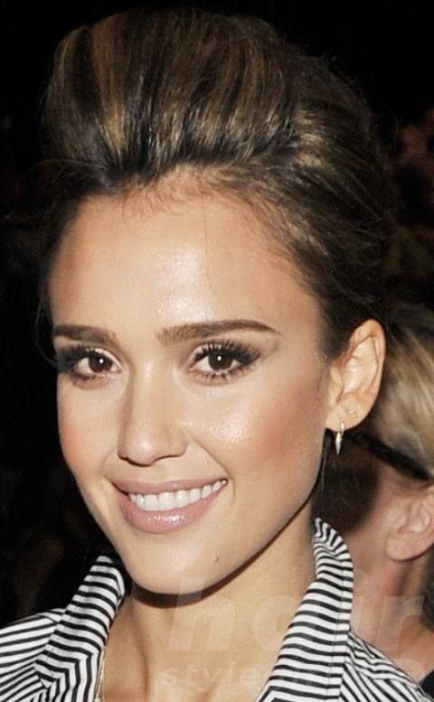 Jessica Alba Hairstyles: Cool Pompadour for Mature Women