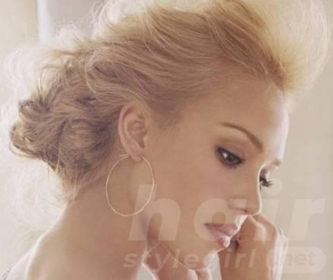 Jessica Alba Hairstyles: Romantic Wedding Hairstyle