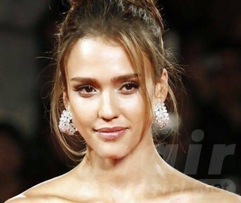Jessica Alba Long Hairstyles: Glamorous Loose Bun