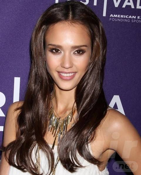 Jessica Alba Long Hairstyles: Lovely Long Center-parted Hairstyle