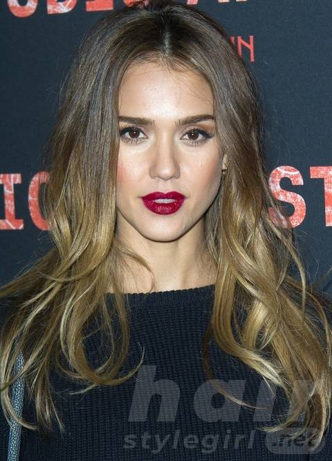 Jessica Alba Long Hairstyles: Ombre Loose Curls for All Face Shapes