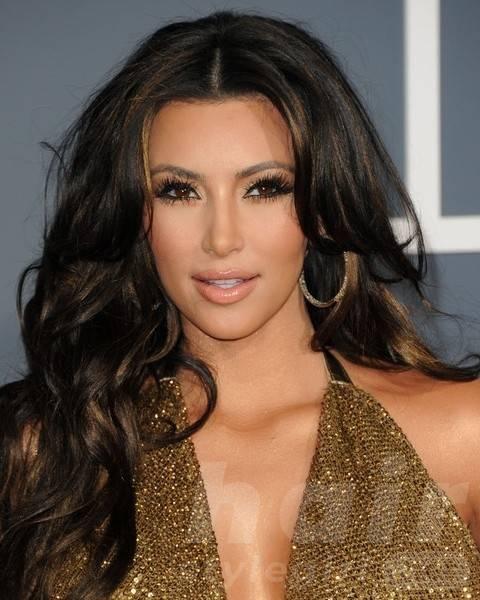Kim Kardashian Hairstyles: Voluminous Long Curls