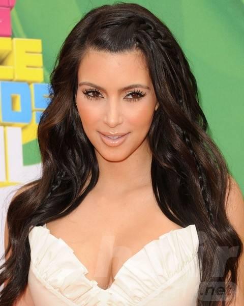 Kim Kardashian Long Hairstyles: Adorable Long Curls with Braids