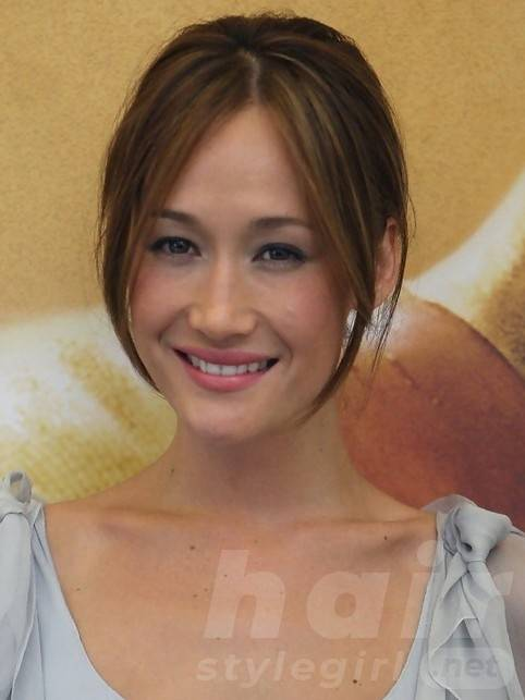 Maggie Q Hairstyles: Sweet Pinned Updo