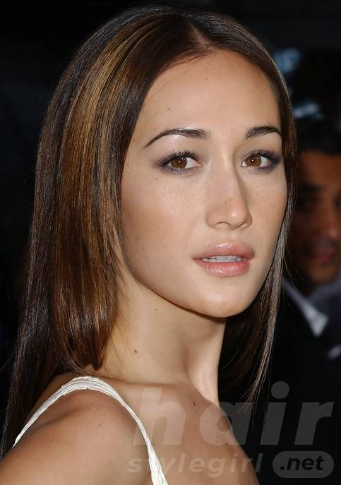 Maggie Q Straight Hairstyles: Stylish Center-Parted Hairstyle