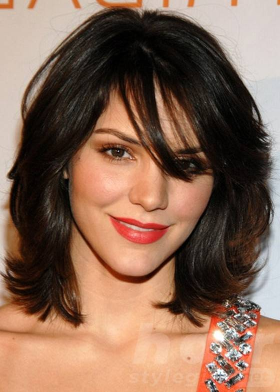 Medium Layered Brunette Wavy Chopped Hairstyle
