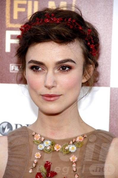 Keira Knightley Hair - Up-do Hairstyle With Headband