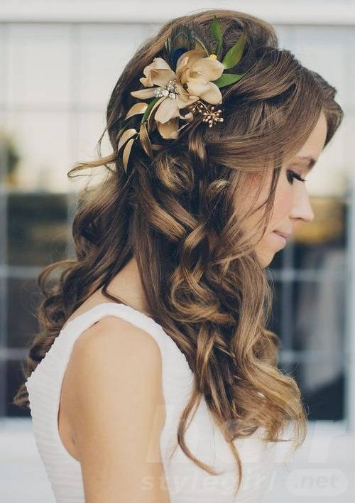curly-hairstyle-for-medium-hair