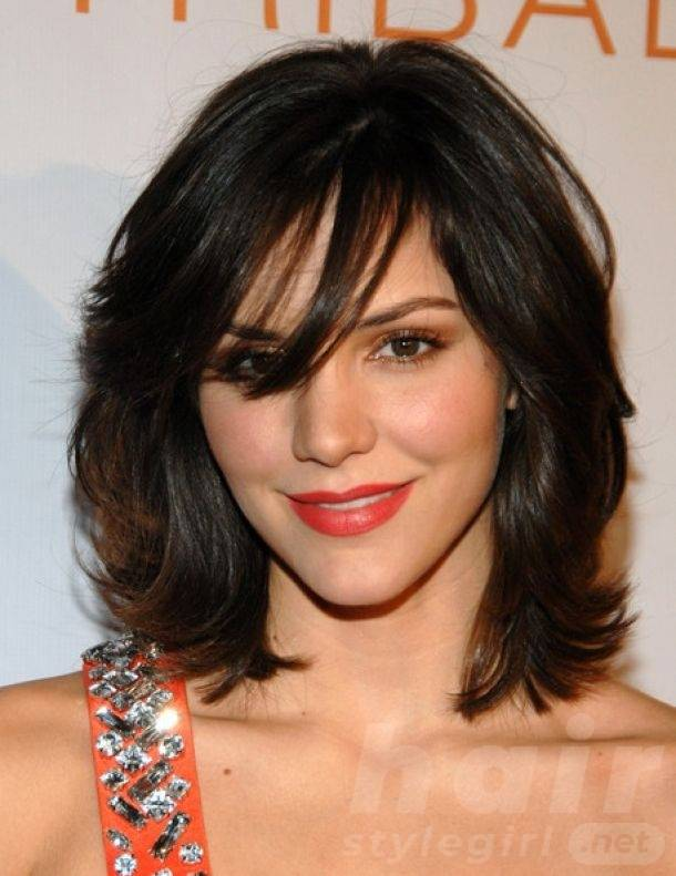 Medium Layered Wavy Haircut