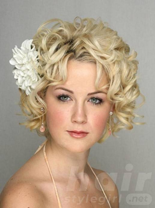 Short Blonde Curly Wedding Hairstyle with Flower