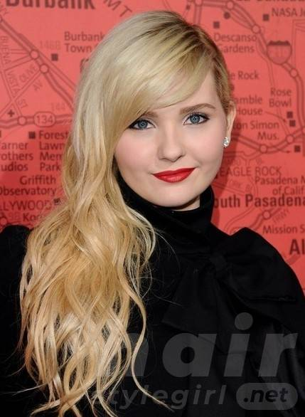 Abigail Breslin Long Curly with Bangs for Summer