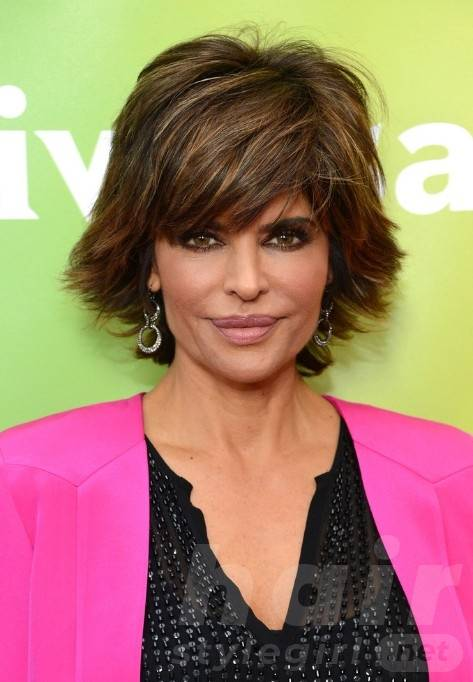 Lisa Rinna Layered Razor Cut for Summer - Latest Popular Short Hairstyles for Women