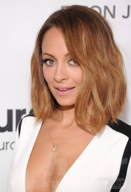 Nicole Richie Casual Medium Ombre Bob Hairstyle for Summer