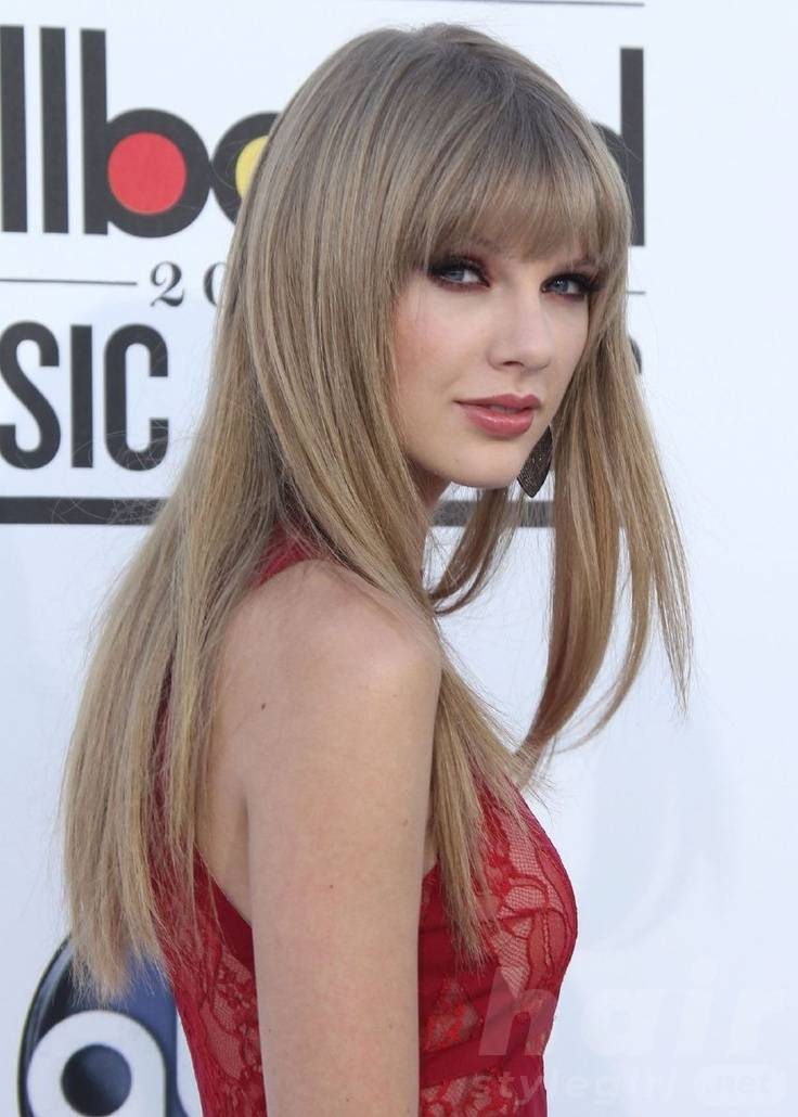 Taylor Swift Hair - Long Straight Hairstyle With Bangs